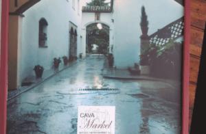 Visita a les caves markel i tast de gastronomia local al restaurant Arrels