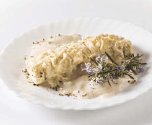 Caneló d'ànec i foie cuinat amb herbes remeieres